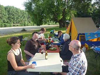 2012-12-01 17.48.37 P1040380 Simon - Morison Bush - dinner tables.jpeg: 4000x3000, 6840k (2014 Jul 21 06:54)