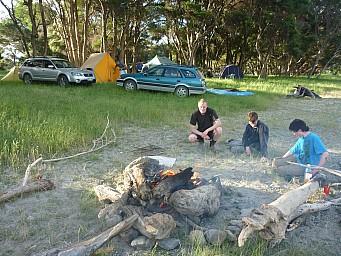 2013-12-07 19.23.44 P1050463 Simon - fire.jpeg: 4000x3000, 7046k (2014 Jul 21 07:09)