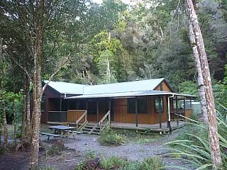 Atiwhakatu Hut