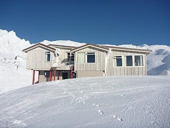 2011-07-18 15.33.20 P1020715 Simon  Tararua Lodge.jpeg: 4000x3000, 4933k (2014 Jul 21 07:31)