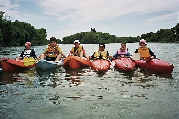 2006-12-03-kayakingkids.jpeg: 1536x1024, 440k (2014 Jul 21 06:32)