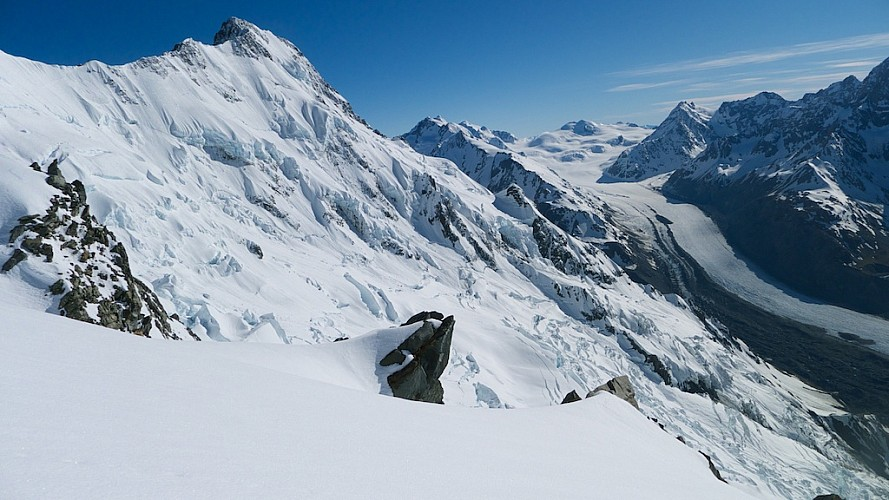 Stu and I simulclimbed 200m up the gully to join the main ridge to Mt Dixon where we had this fabulous view of Mt Haidinger and the Tasman Glacier.